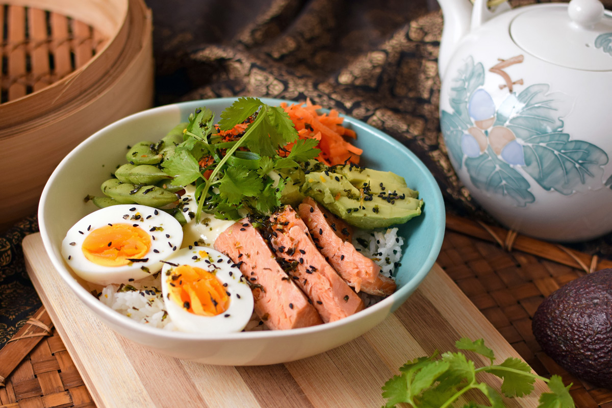 smoked-salmon-sushi-bowl02-feature