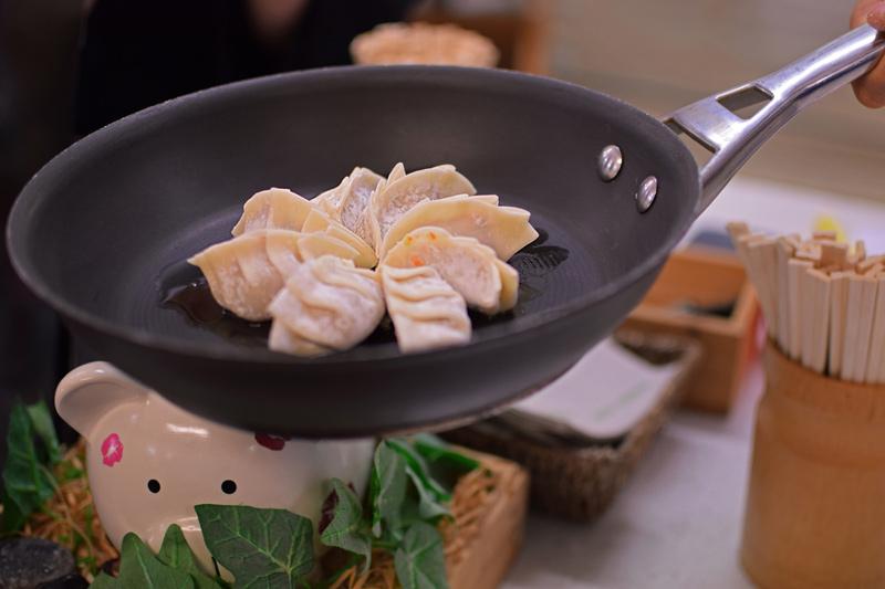 contiki-sachie-dumplings18